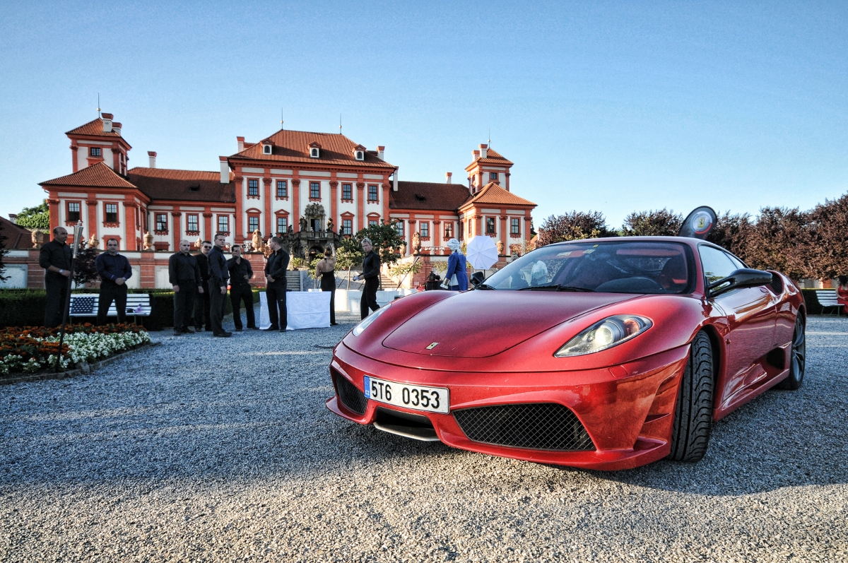 Ferrari-Arabia-gala-event-program-troja-castel-innovate.cz